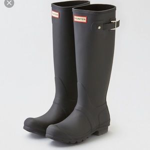 Hunter Rain Boots in tall matte black